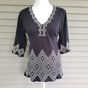 BCBGMaxAzria Black & White Embroidered Boho Top
